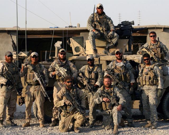 Kit/Loadout Taliban / Pashtun / CIA CAG / Insurgente 92245110