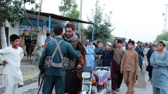 Kit/Loadout Taliban / Pashtun / CIA CAG / Insurgente Afghan12