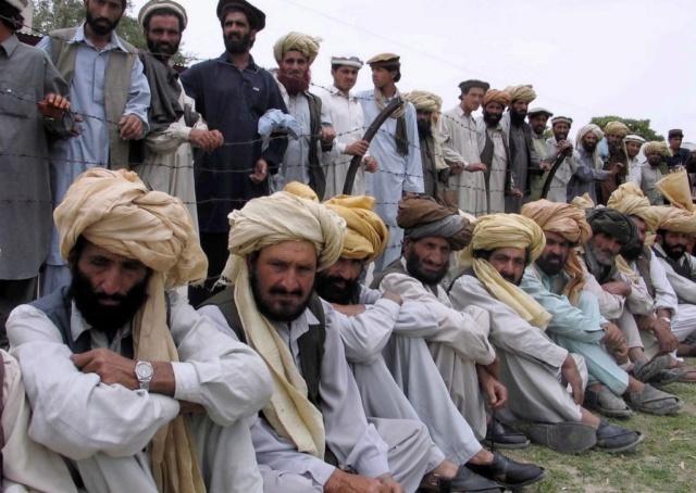 Kit/Loadout Taliban / Pashtun / CIA CAG / Insurgente South-11