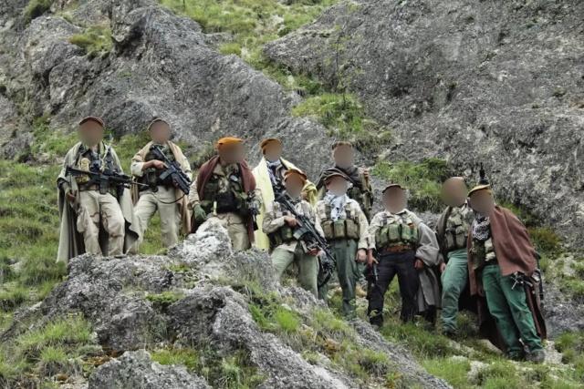 Kit/Loadout Taliban / Pashtun / CIA CAG / Insurgente Whatsa22