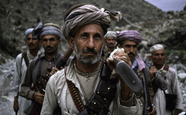 Kit/Loadout Taliban / Pashtun / CIA CAG / Insurgente Zulfiq11