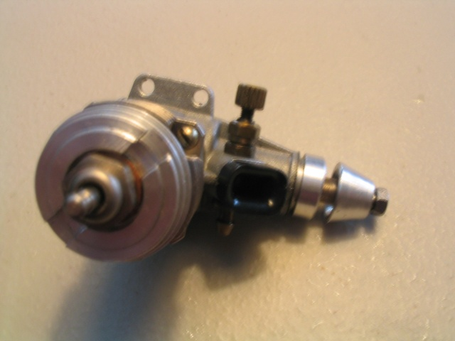 fine thread needle on Norvel's and similar engines 100_0010