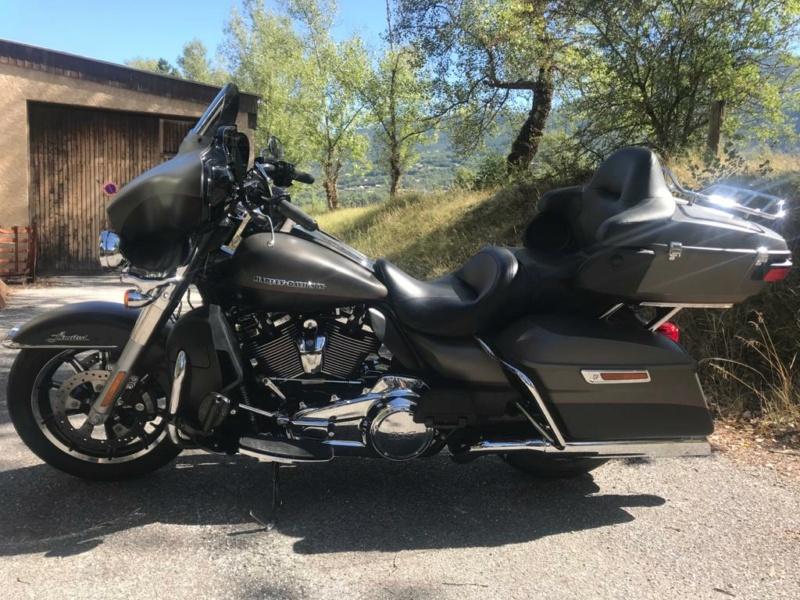 Harley Davidson Electra Glide Ultra Limited 114 Photo-10