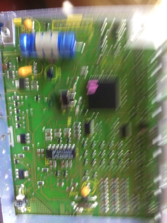 Boitier électronique ECU EAS composant ? Cc2fc010