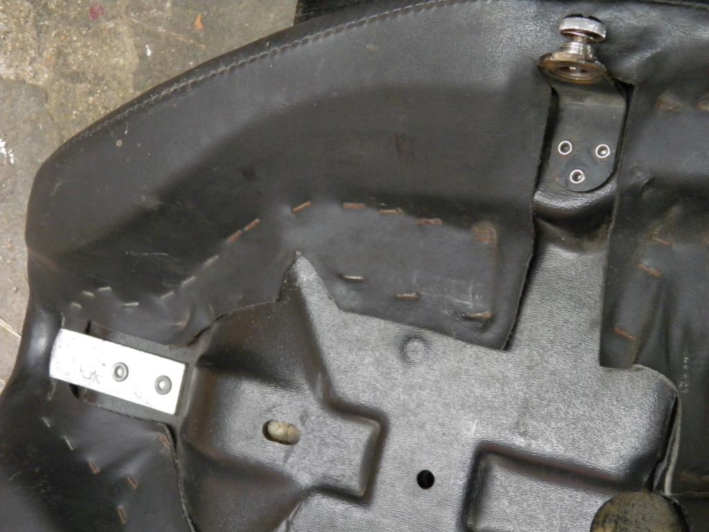 Donne selle Harley Fat Boy 1450CC injection de 2002  P6211212