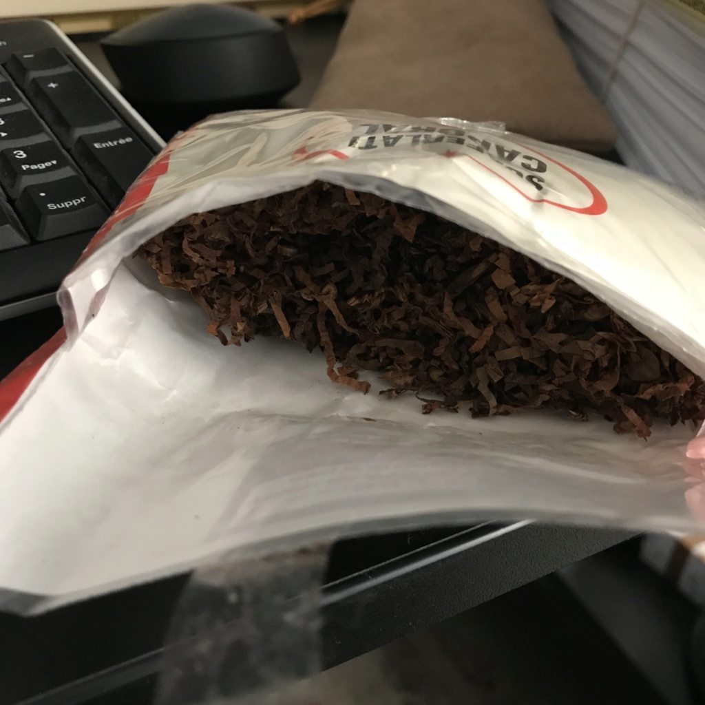 Trop de tabac : je liquide les stocks E111f810