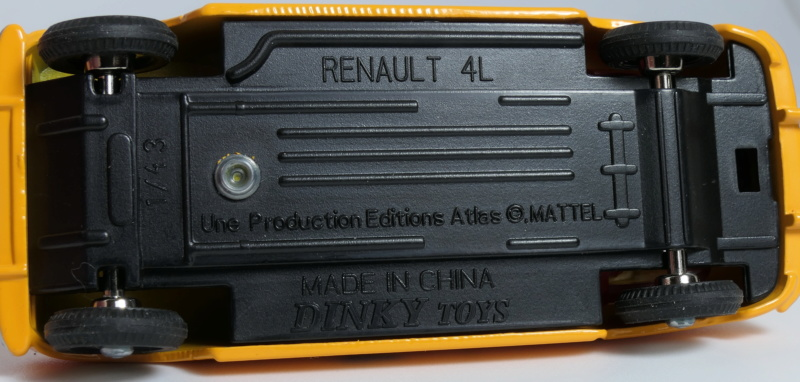 dinky ATLAS Renault 4L Base_r16