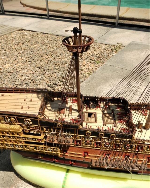 """Construction du """"Sovereign of the Seas"""" au 1/84 par Glénans - Partie III - Page 3 Dscn1875"""
