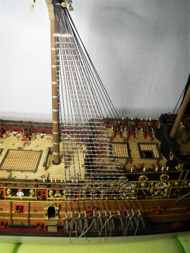 """Construction du """"Sovereign of the Seas"""" au 1/84 par Glénans - Partie III - Page 4 Dscn2045"""