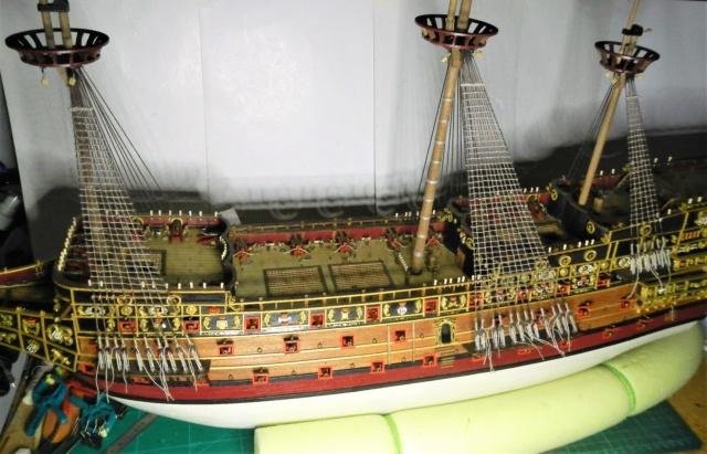 """Construction du """"Sovereign of the Seas"""" au 1/84 par Glénans - Partie III - Page 5 Dscn2063"""