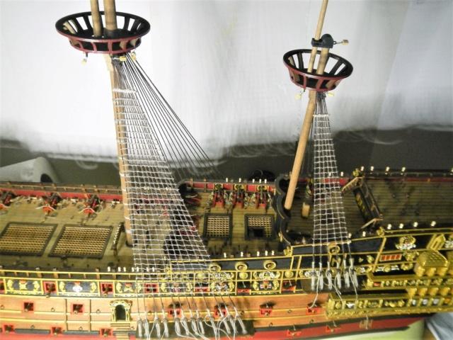 """Construction du """"Sovereign of the Seas"""" au 1/84 par Glénans - Partie III - Page 5 Dscn2064"""