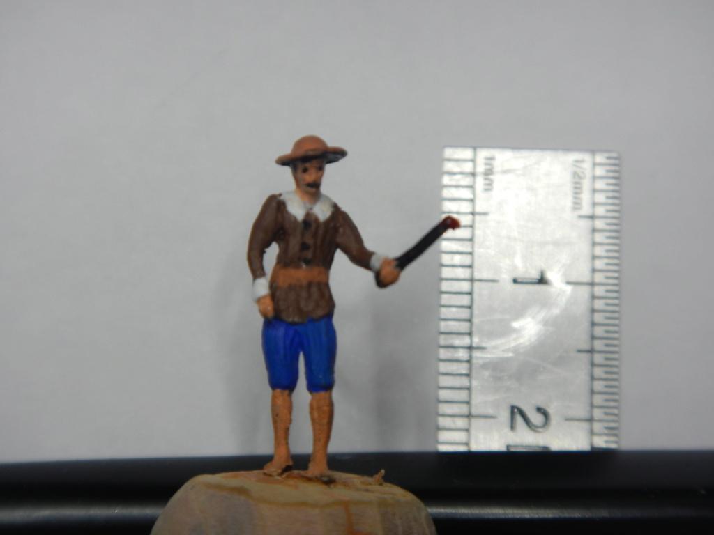 Figurines d'officiers et de marins au 1/90 Dscn3510