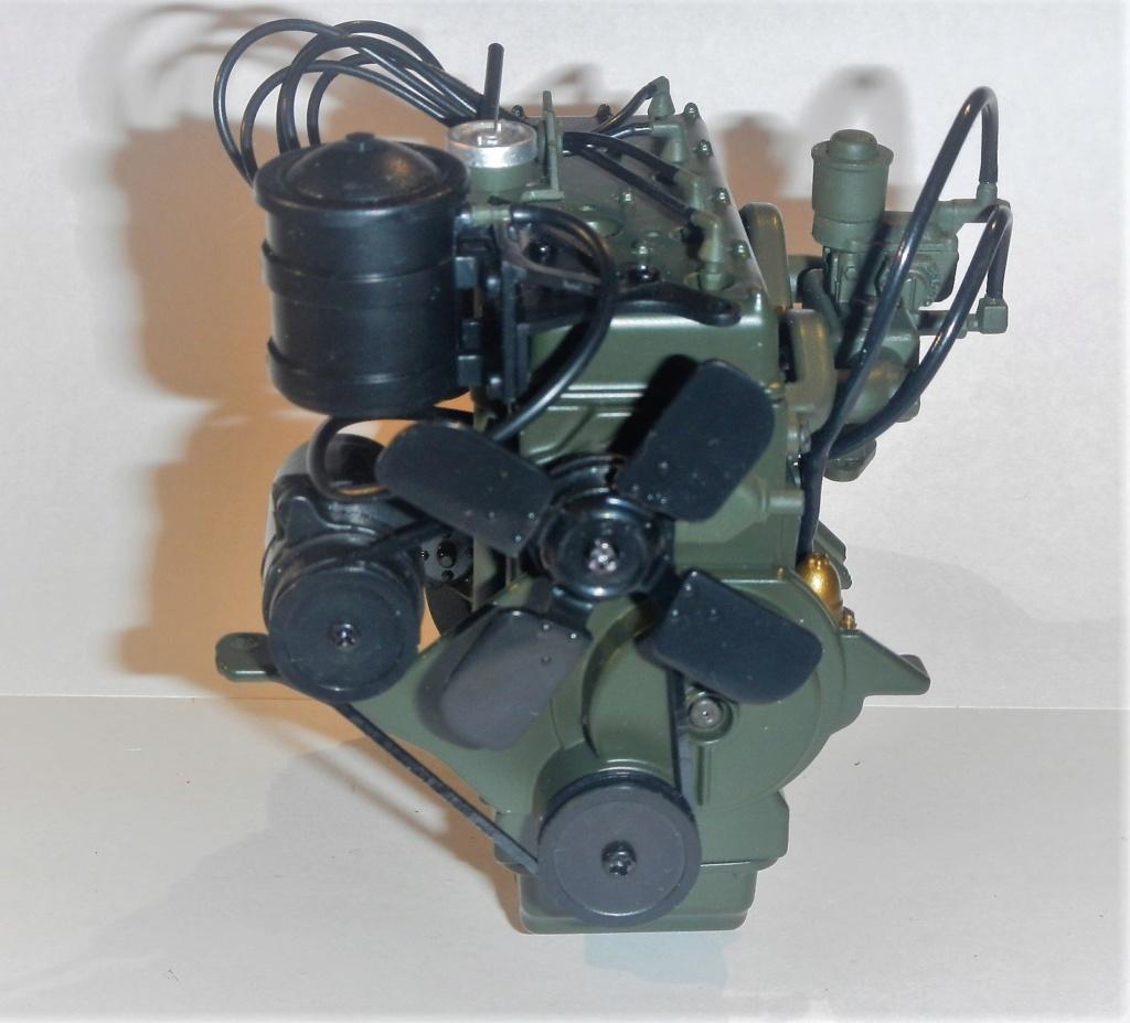 """099) """"Jeep Willys MB"""" et sa remorque au 1/8, proposée par les Ed. Hachette, montée par Glénans (Partie 1). Dscn7211"""