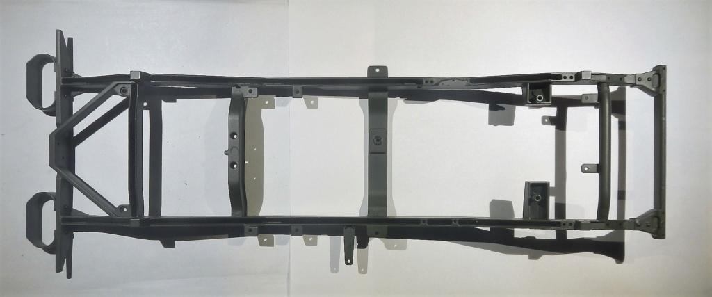 """099) """"Jeep Willys MB"""" et sa remorque au 1/8, proposée par les Ed. Hachette, montée par Glénans (Partie 1). Dscn7212"""