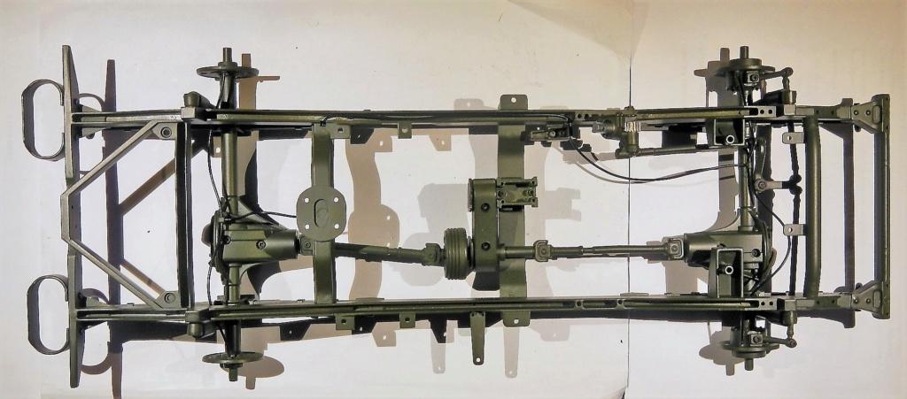 """099) """"Jeep Willys MB"""" et sa remorque au 1/8, proposée par les Ed. Hachette, montée par Glénans (Partie 1). Dscn7710"""