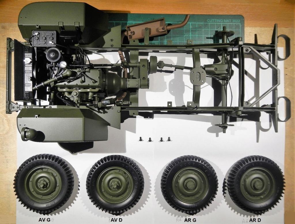 """099) """"Jeep Willys MB"""" et sa remorque au 1/8, proposée par les Ed. Hachette, montée par Glénans (Partie 1). Dscn8010"""