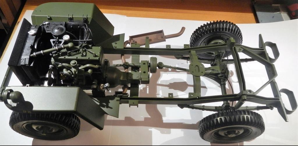 """099) """"Jeep Willys MB"""" et sa remorque au 1/8, proposée par les Ed. Hachette, montée par Glénans (Partie 1). Dscn8011"""