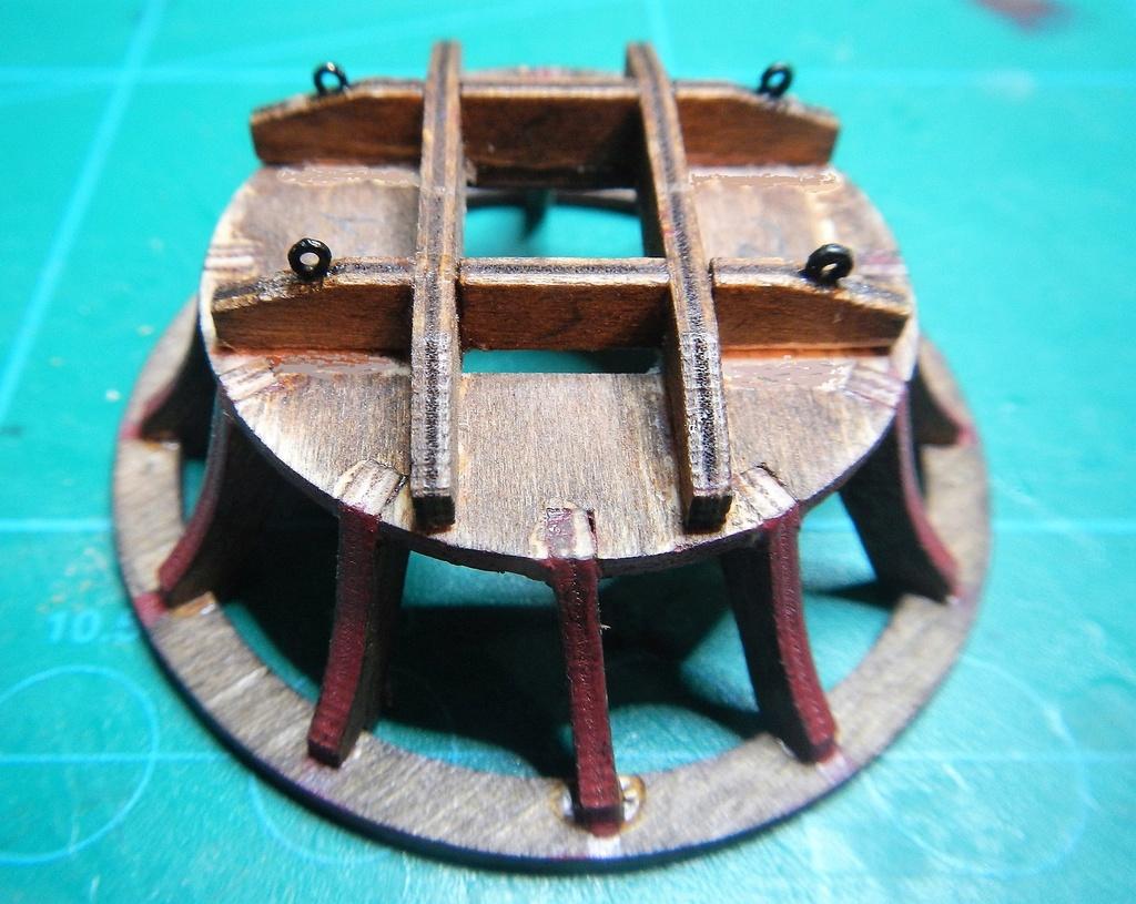 """Construction du """"Sovereign of the Seas"""" (SotS) au 1/84 (Partie 3)  - Page 3 Dscn8516"""