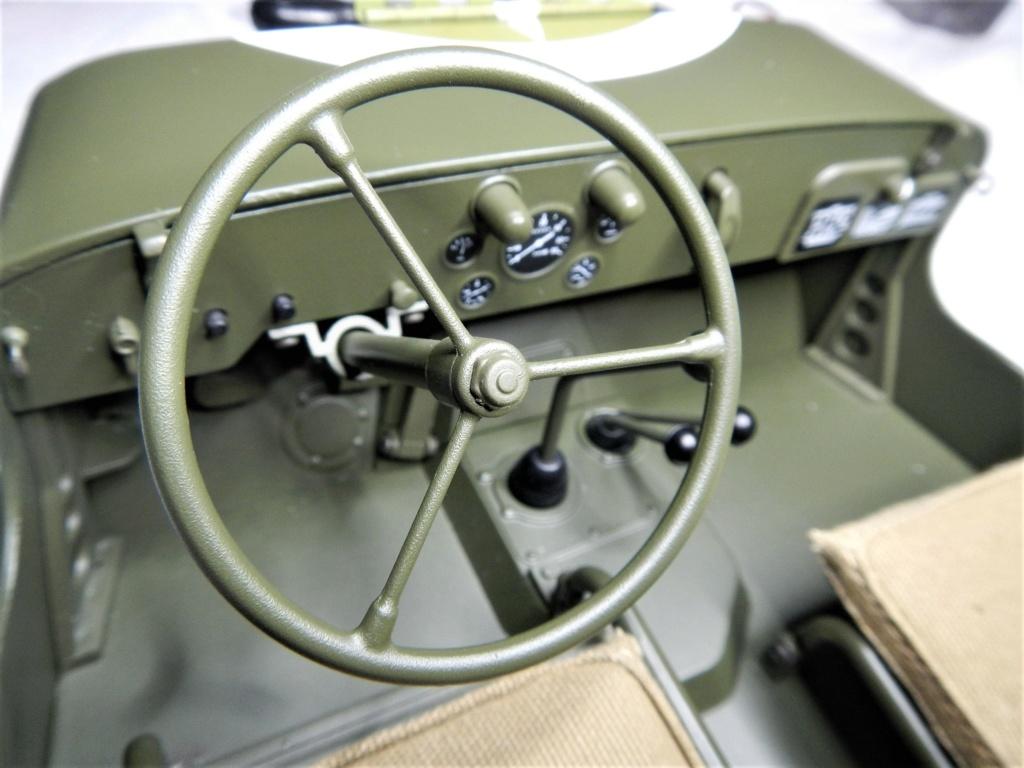 """101/ """"Jeep Willys MB"""" et sa remorque au 1/8, proposée par les Ed. Hachette, montée par Glénans (Partie 2). Dscn8949"""