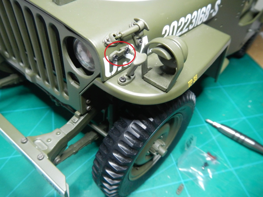 Jeep Willys - 1/8ème - Ed. Hachette - Construction par Glénans (Partie 1) - Page 40 Dscn9213