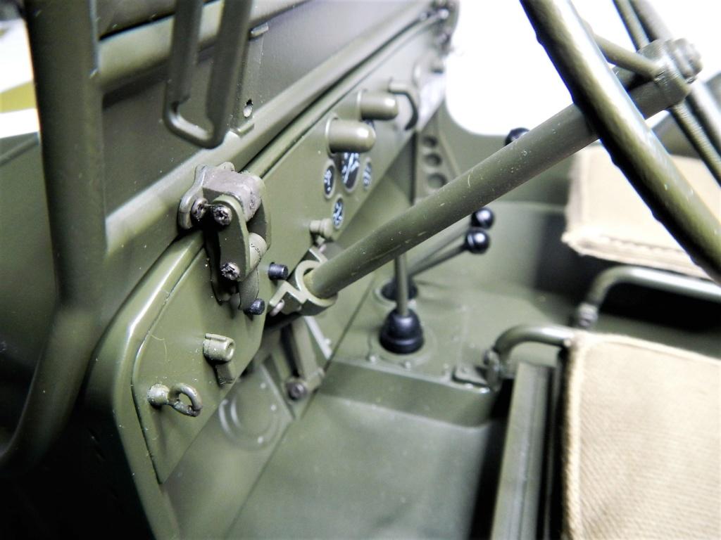 Jeep Willys - 1/8ème - Ed. Hachette - Construction par Glénans (Partie 1) - Page 40 Dscn9230