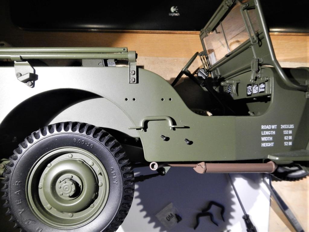 Jeep Willys - 1/8ème - Ed. Hachette - Construction par Glénans (Partie 2) - Page 3 Dscn9611
