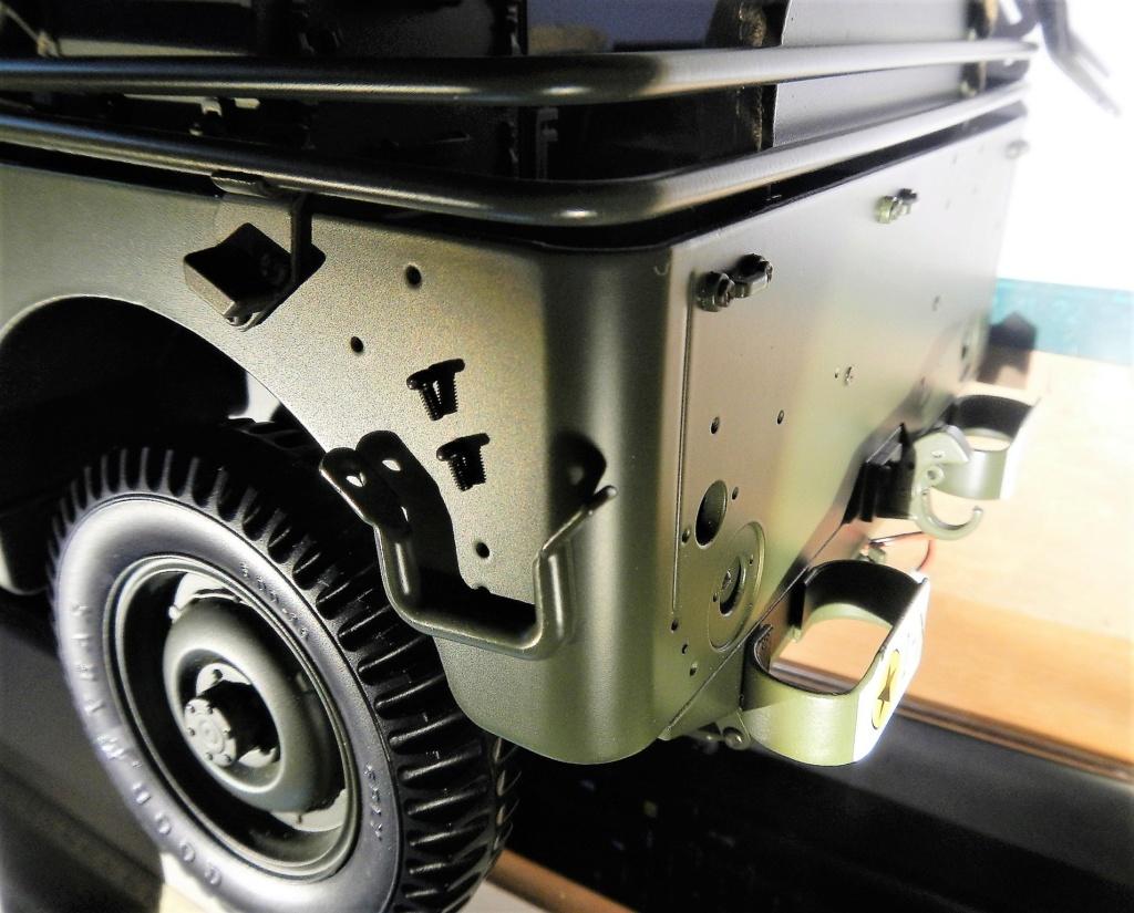 Jeep Willys - 1/8ème - Ed. Hachette - Construction par Glénans (Partie 2) - Page 3 Dscn9613
