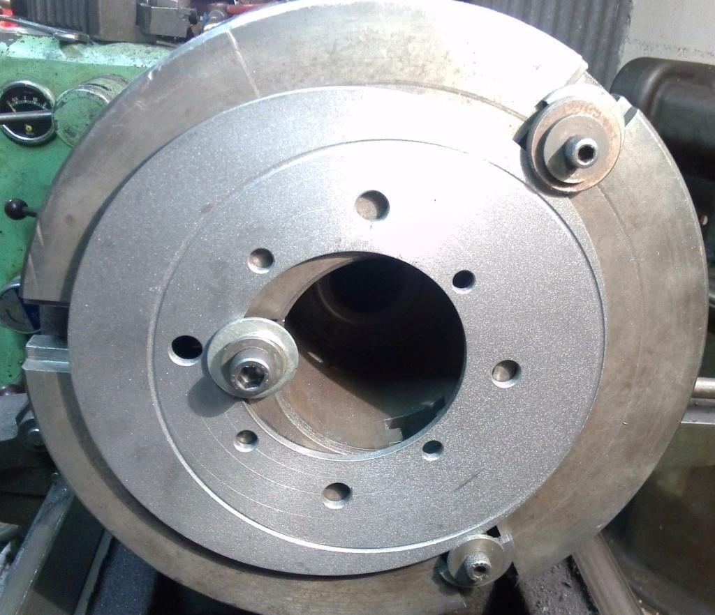 Stries dans le disque de frein E10dfe10