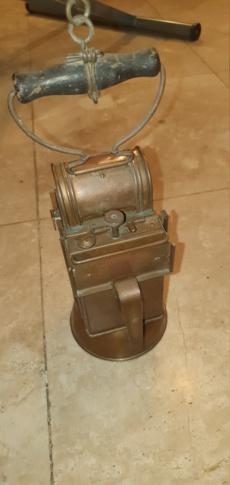 Lampe carbure avec marquage 20210212