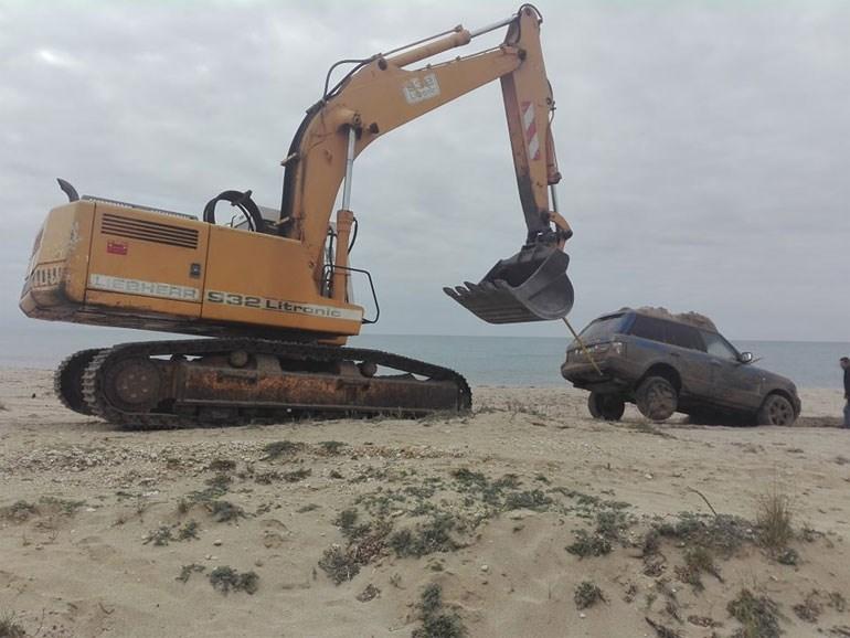 Κανάλι Πρέβεζας: Με επιτυχία ολοκληρώθηκε η ανάσυρση αυτοκινήτου που ήταν θαμμένο στην άμμο 148