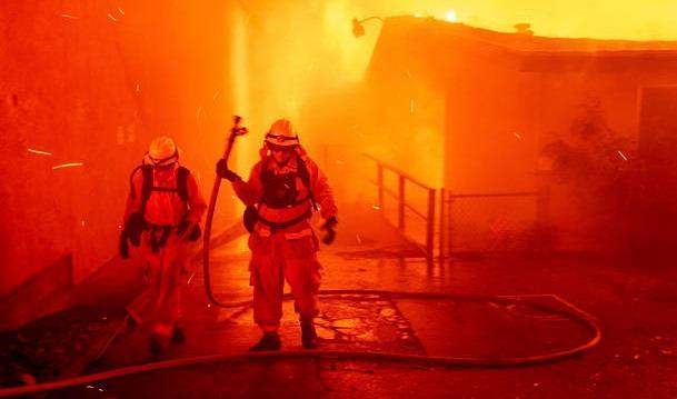 Πύρινος εφιάλτης με τουλάχιστον 31 νεκρούς στην Καλιφόρνια 483b2f10
