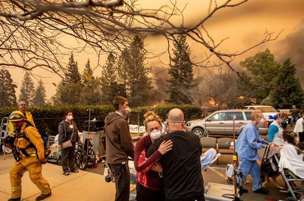 Πύρινος εφιάλτης με τουλάχιστον 31 νεκρούς στην Καλιφόρνια 83b8d210