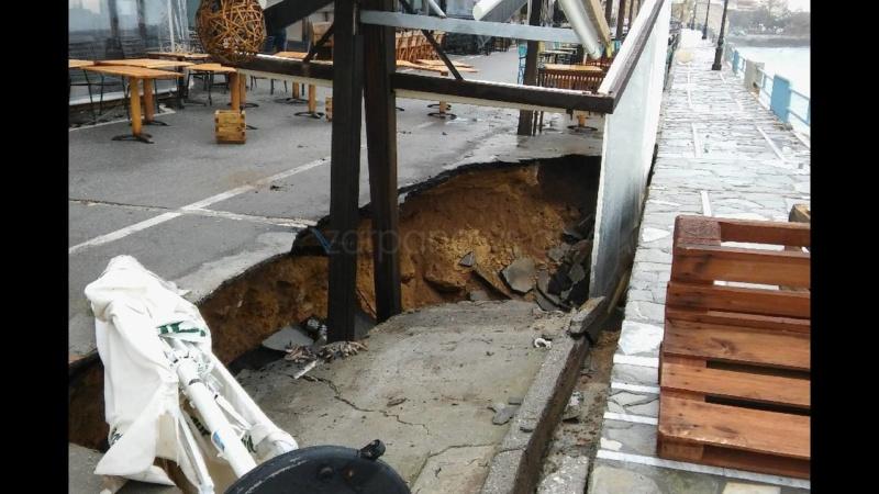 Κρήτη: Βούλιαξε ο δρόμος Koumka14