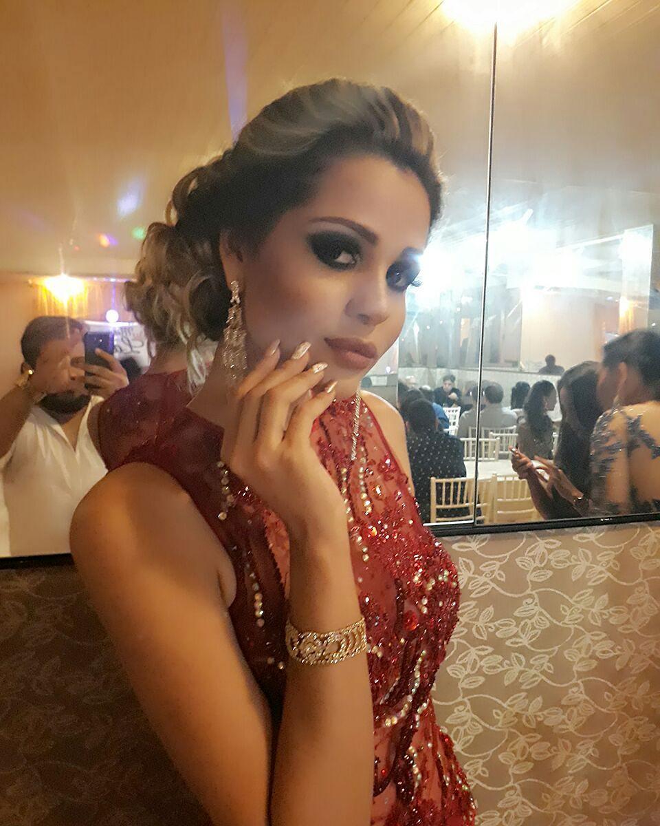 ana paula padilha, miss para empresarial 2018/top 15 de miss brasil universo 2011. 18722710