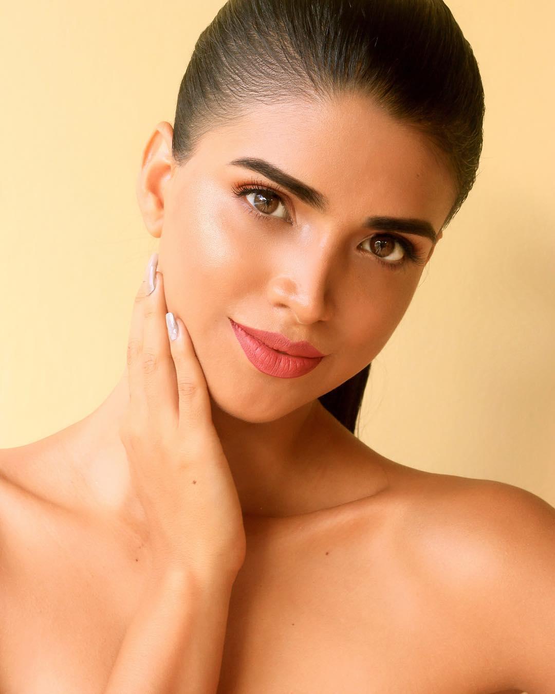 lucia arellano, top 6 de miss peru 2019.  30084112