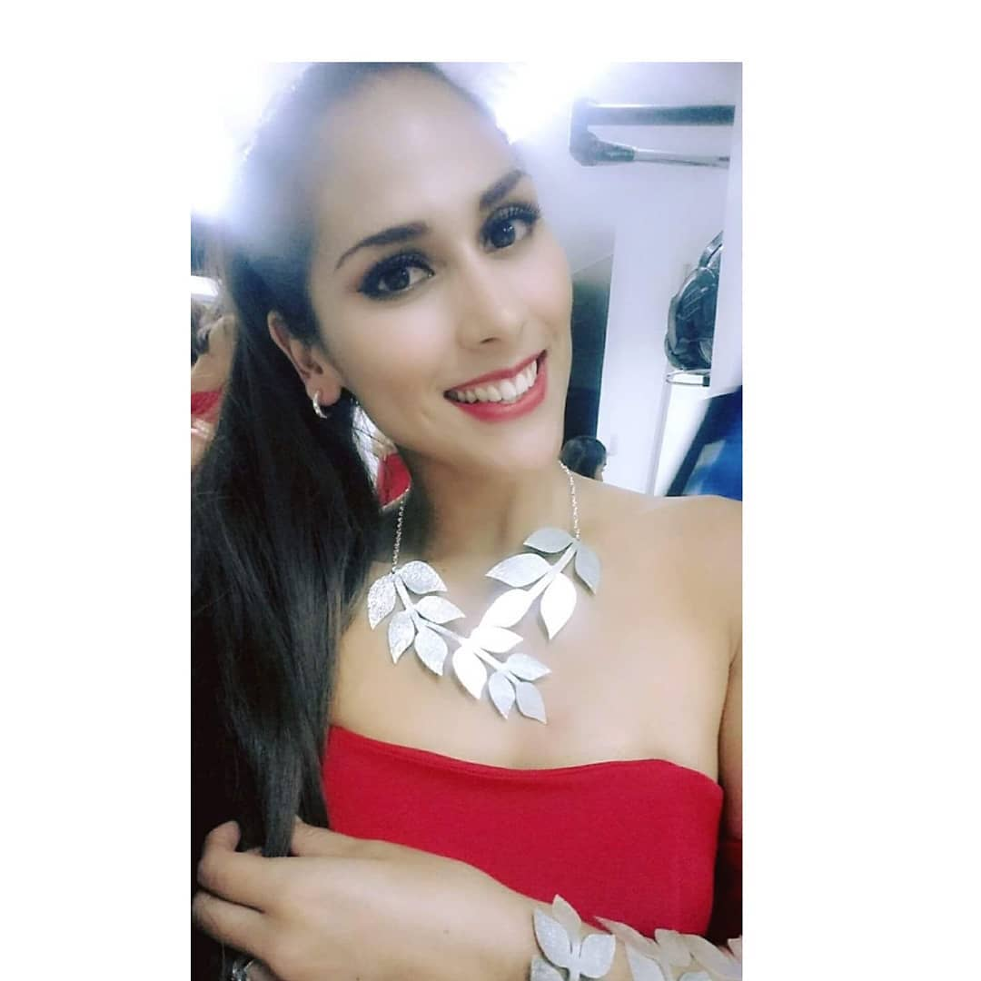melody calderon, candidata a miss peru universo 2019/primera finalista reyna mundial banano 2018. 32844411