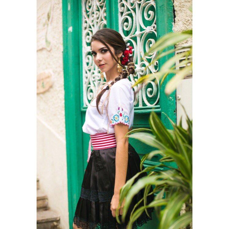 lusiana varela, miss teen mundial peru 2018. 36761910