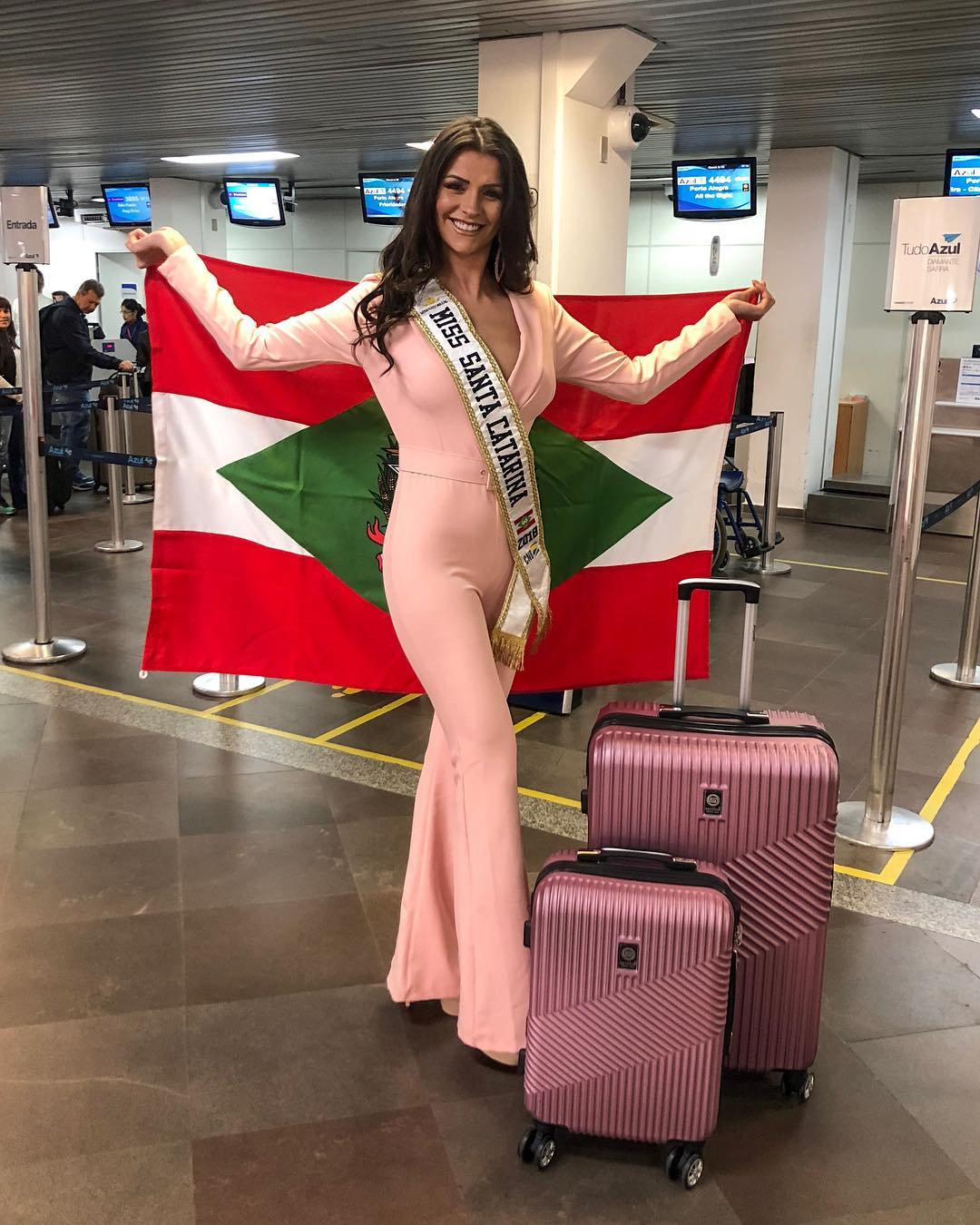 thylara brenner, miss brasil continentes unidos 2019. - Página 2 38776710