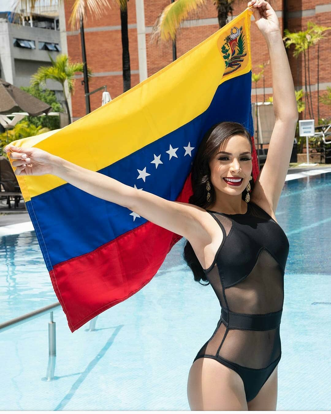 ana caceres, miss tourism universe 2018. - Página 3 39378710