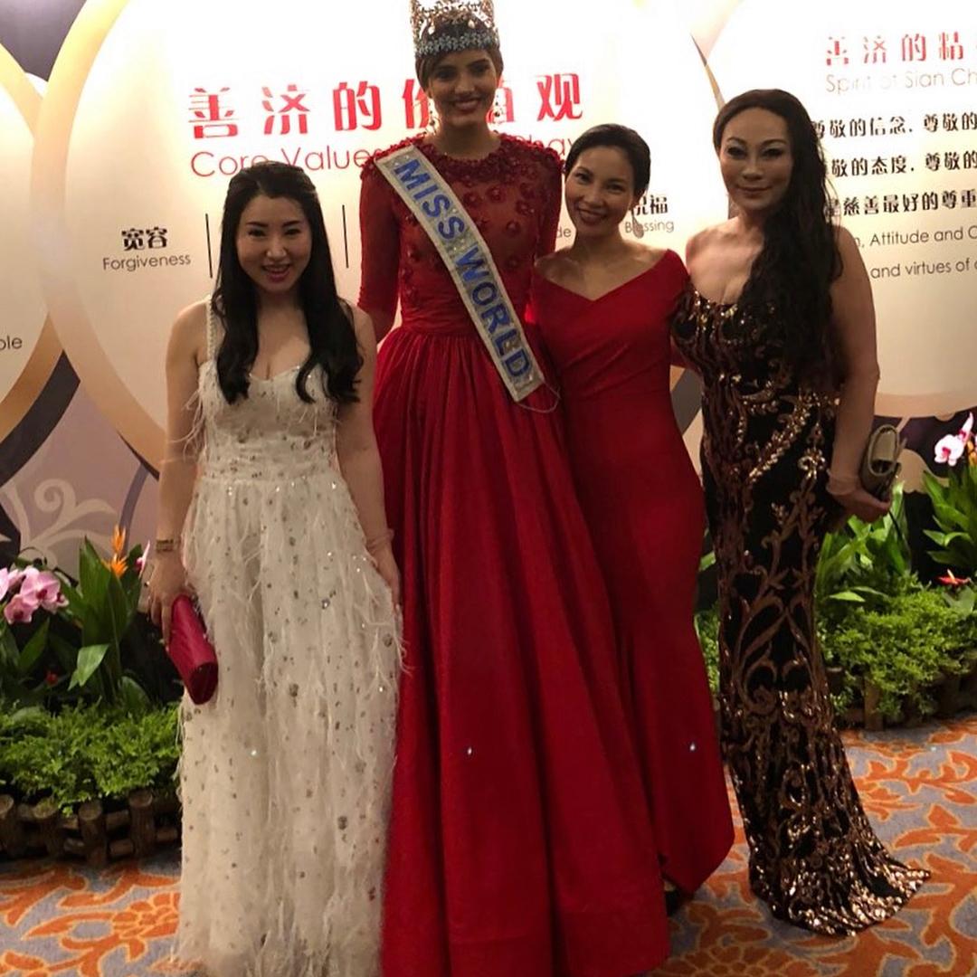 miss world 2016 durante tour de beauty with a purpose em singapore. 39629810