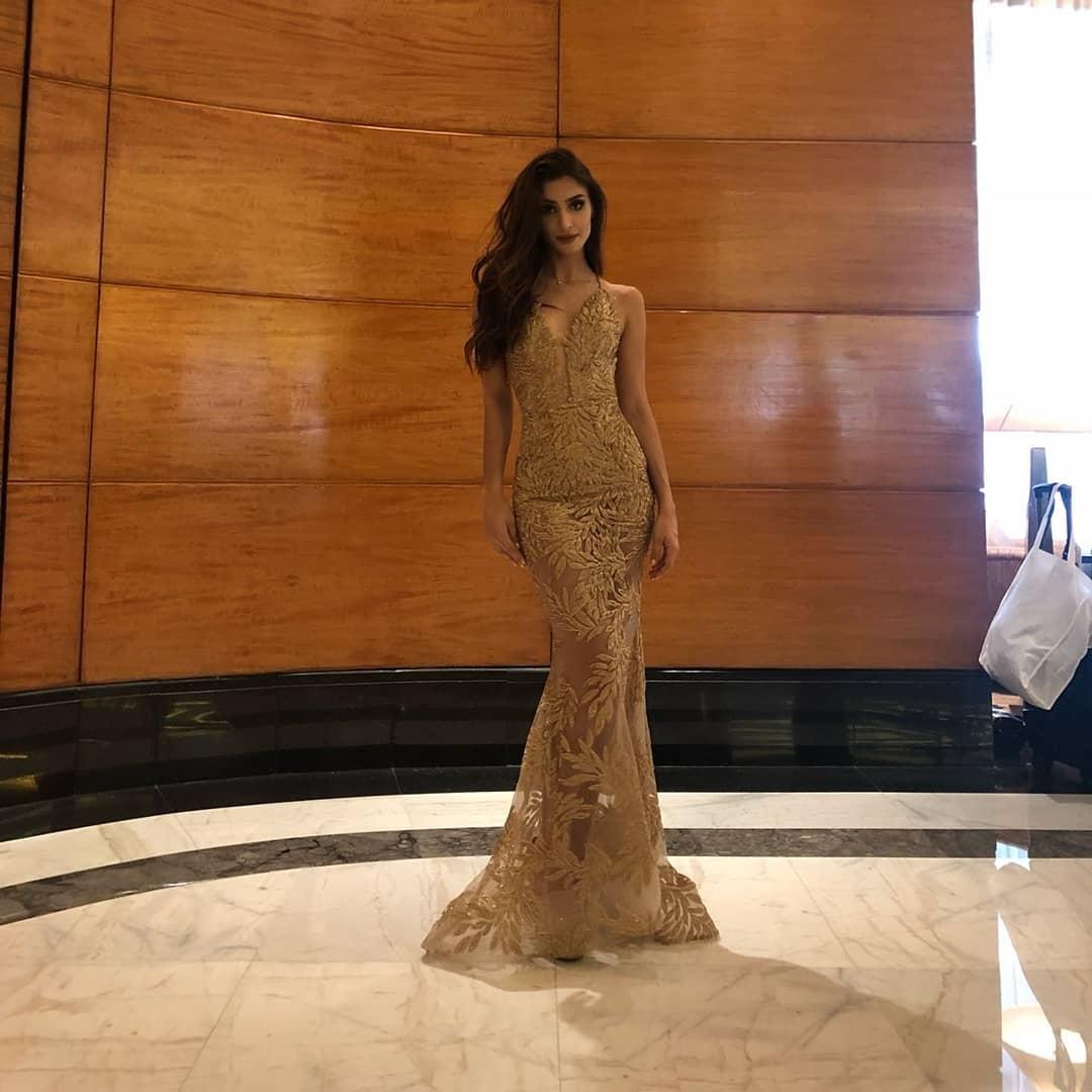 amanda ford, top 20de face of beauty international 2018. - Página 2 40104810