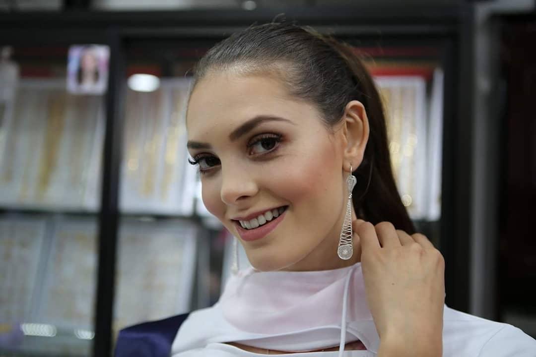 andrea saenz, miss continentes unidos 2018. - Página 3 40744411