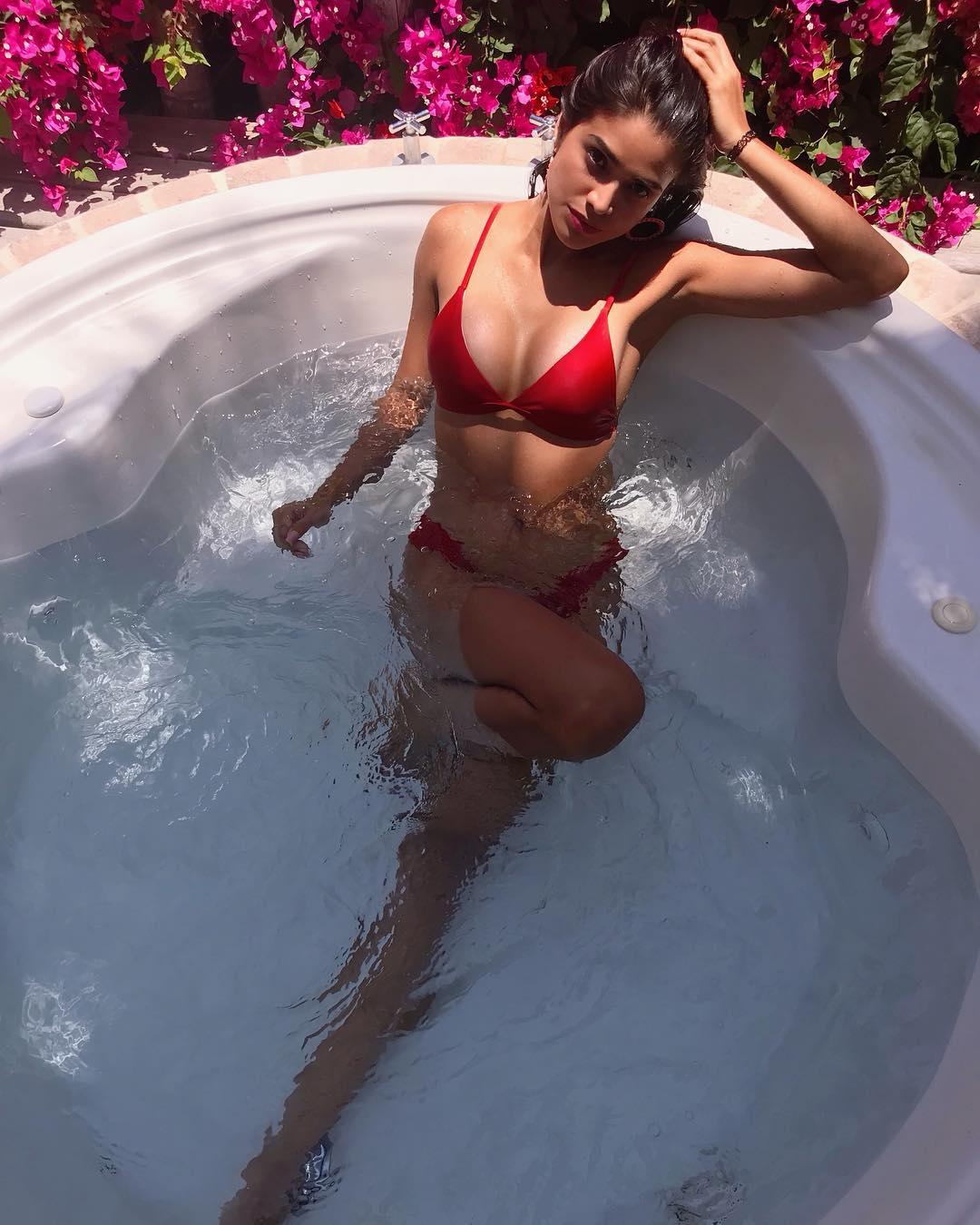 lucia arellano, top 6 de miss peru 2019.  - Página 2 41151110