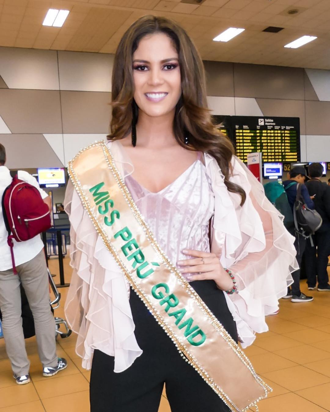 andrea moberg, top 20 de miss grand international 2018 (best national costume). - Página 3 42689410