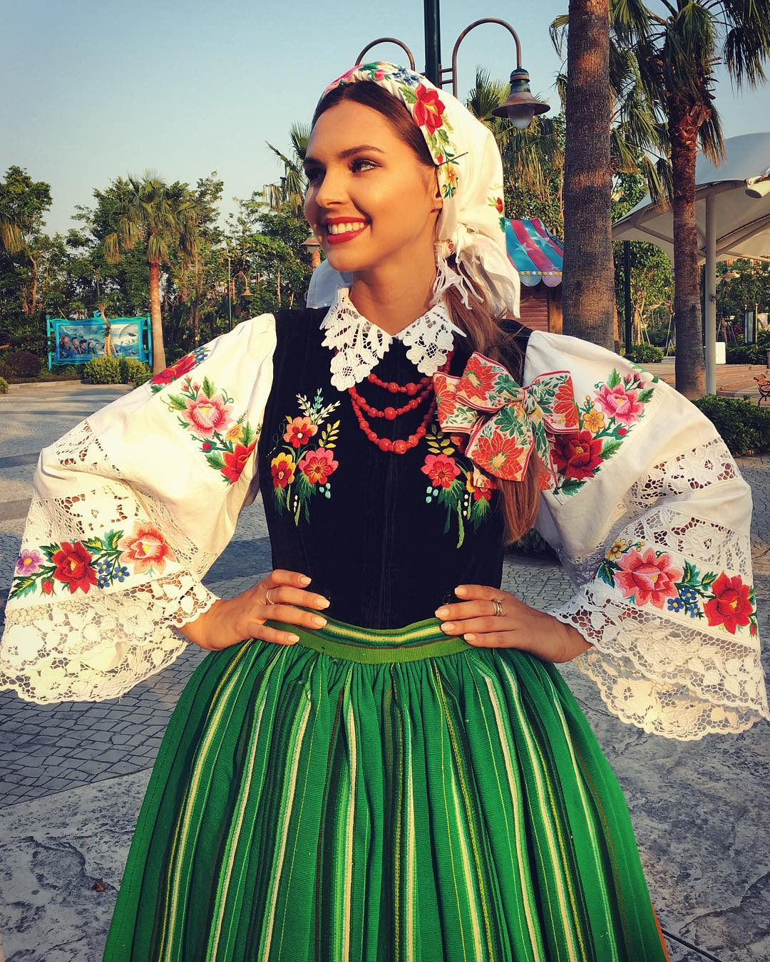 magdalena bienkowska, 2nd runner-up de miss supranational 2018/top 40 de miss world 2017/top 15 de miss international 2016. - Página 22 45997811