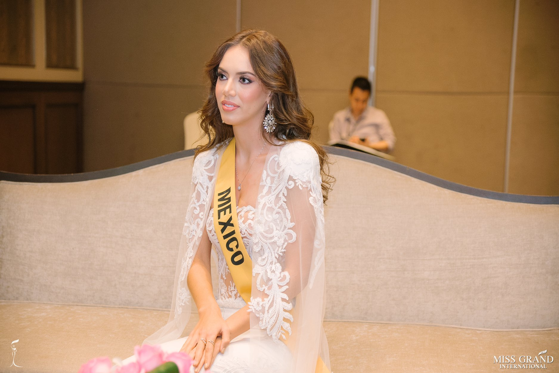 lezly diaz, top 10 de miss grand international 2018. - Página 10 Jiuw3610