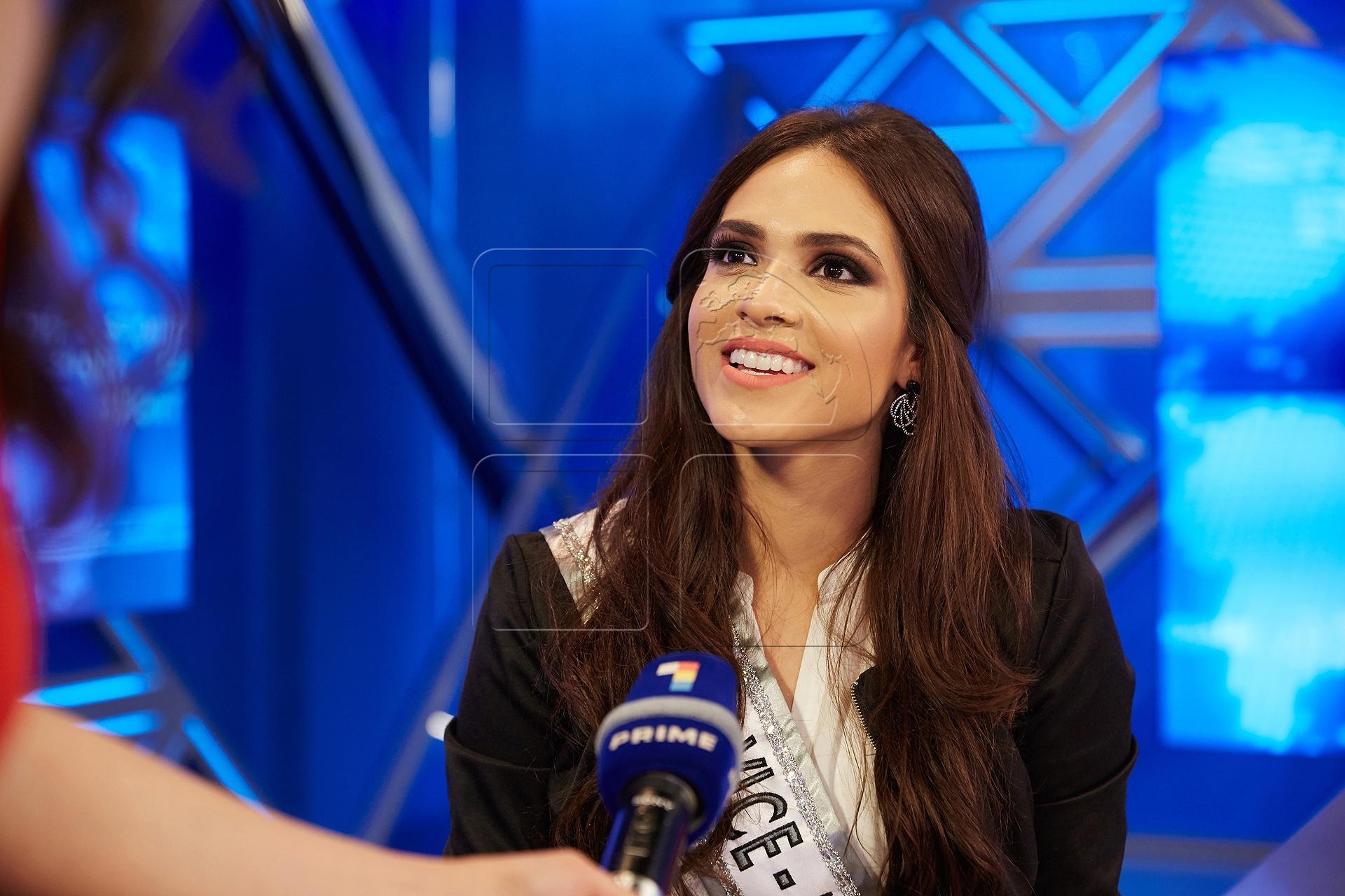paula gomes (paolla), top 10 de miss grand international 2015. - Página 2 Miss_b13