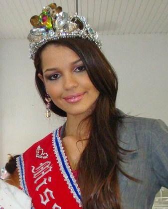 ana paula padilha, miss para empresarial 2018/top 15 de miss brasil universo 2011. - Página 2 Ogaaac10