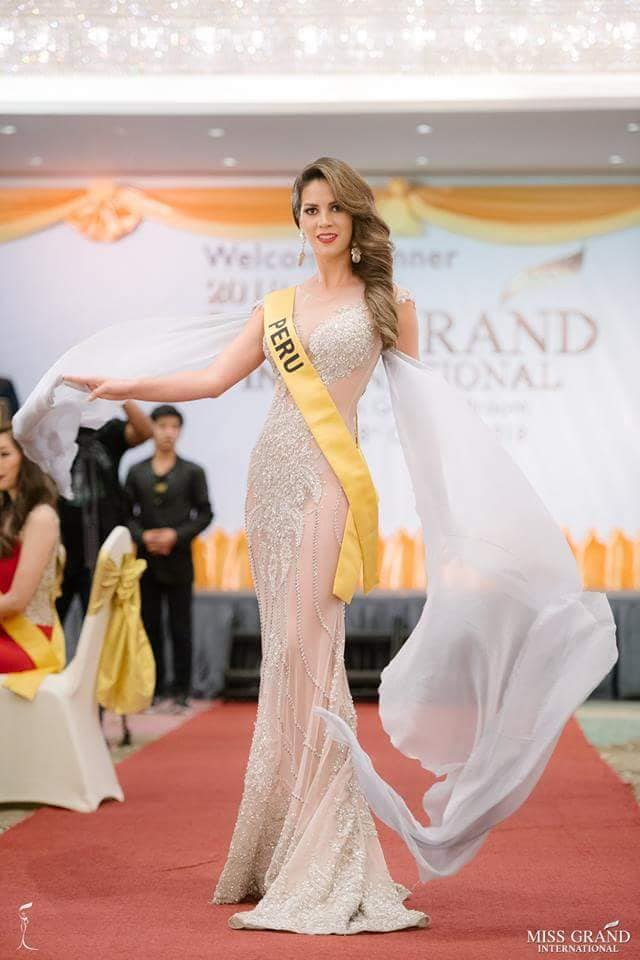 andrea moberg, top 20 de miss grand international 2018 (best national costume). - Página 6 Olrdpx10