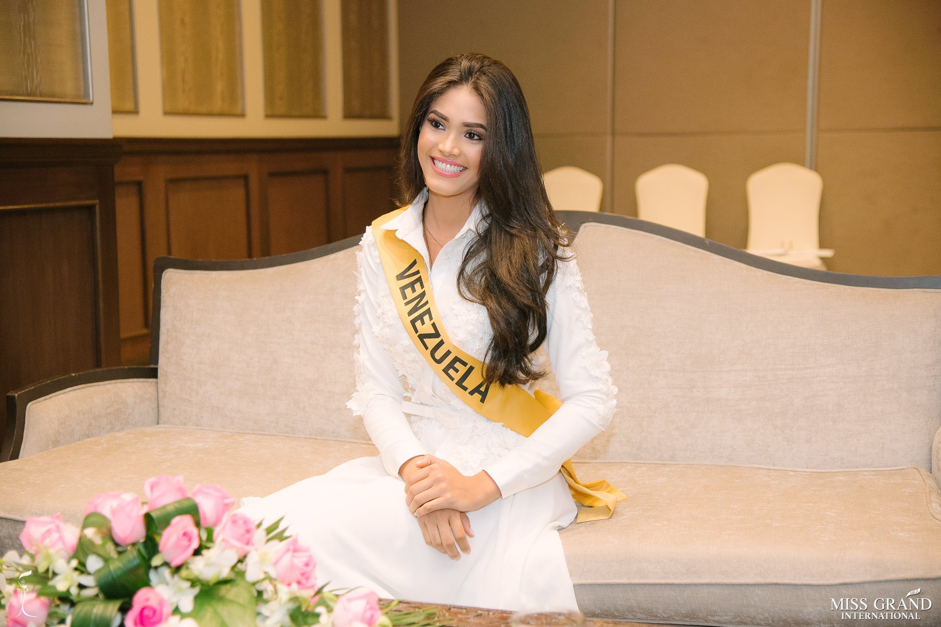biliannis alvarez, top 10 de miss grand international 2018. - Página 10 Yzjsxw10